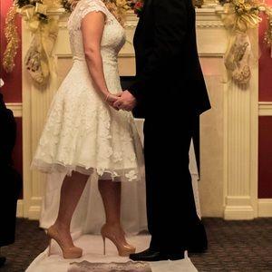 Oleg Cassini Dresses - Oleg Cassini Wedding dress- cap sleeve illusion